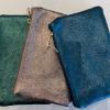 pochette-cuir-irise-medium